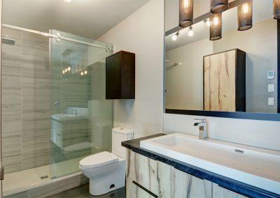 Résidence à Québec de style Chic Shack / Design de la salle de bain et service de décoration intérieure