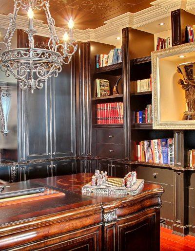 Ébénisterie sur mesure / Design et détails des bibliothèques pour un bureau à domicile pour Monsieur